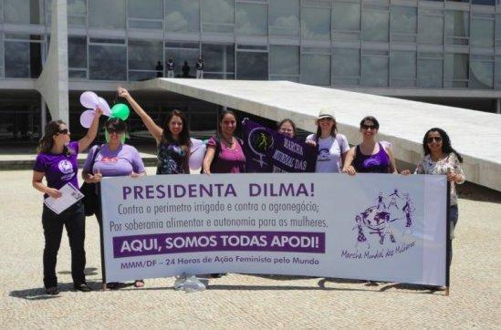 Ação em Brasília (DF), hoje. #24hFeminism  #SomosTodasApodi