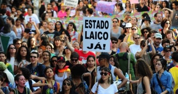 XII Caminha de lésbicas e bissexuais de São Paulo Fonte: Uol